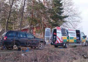 Däckakuten i Stockholm hjälper till att laga punktering